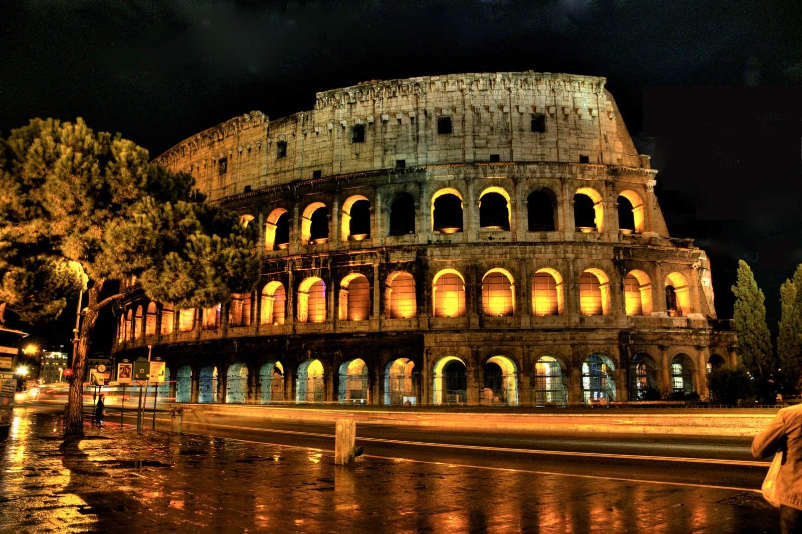 Colosseum visit night