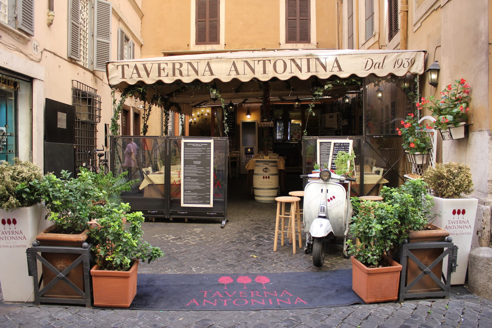 things to do in Rome restaurant taverna antonia rome