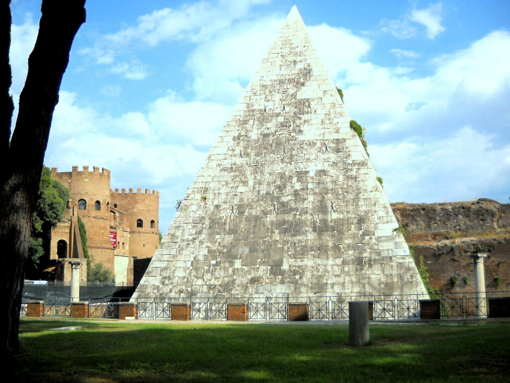 where to Stay in Rome Testaccio Piramide