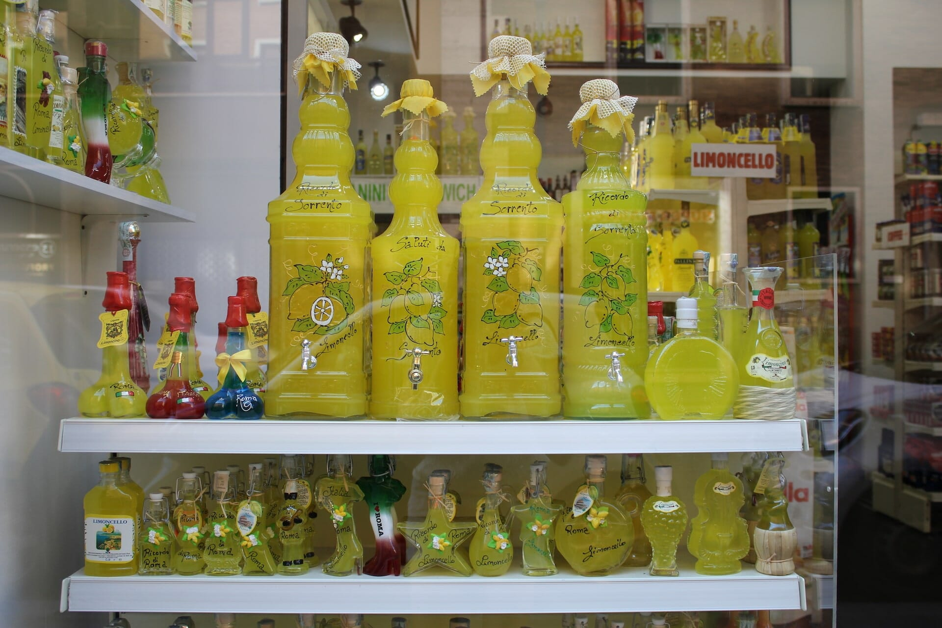 drinking in rome limoncello