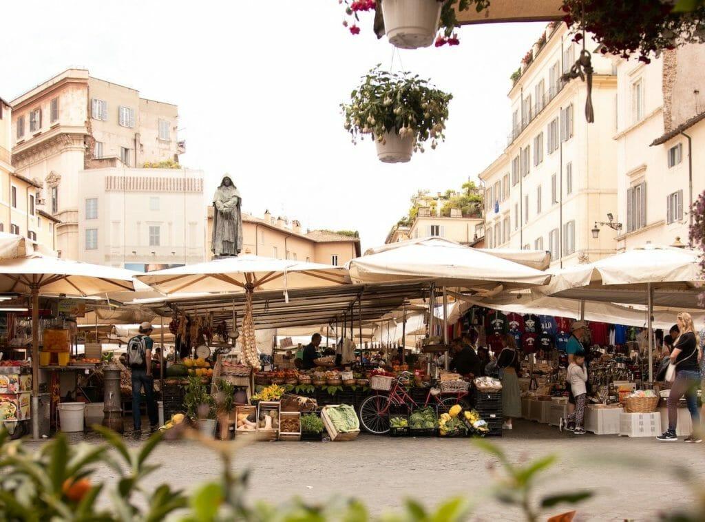 piazzas in rome Campo Di Fiori@jose ros unsplash