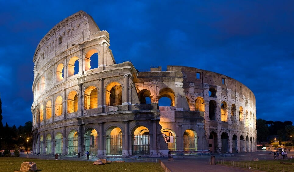 romantic restaurants in rome Colosseum by Night