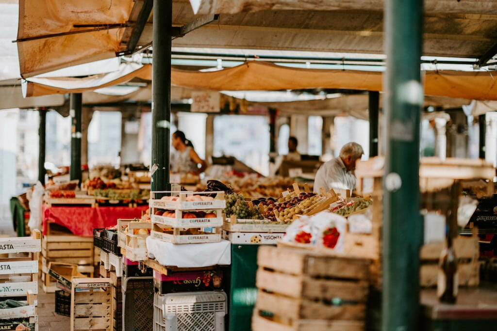 italian fruit markets in rome
