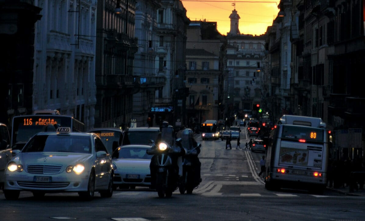 Get taxi in Rome at night
