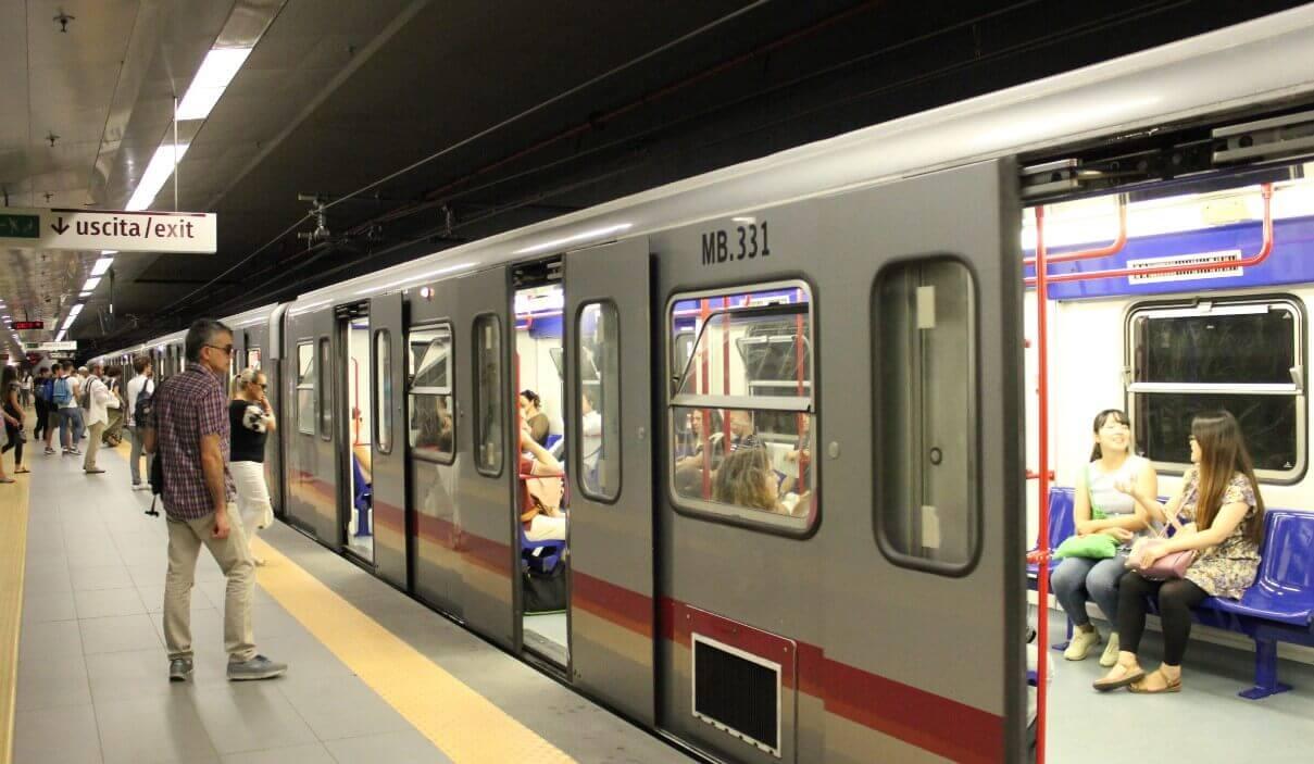 Rome metro rail